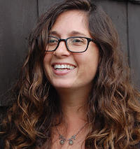 Lauren Sapala author image