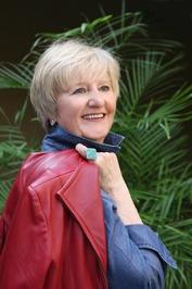 Diane Capri image