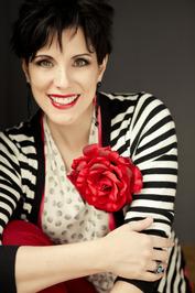 Deanna Raybourn image
